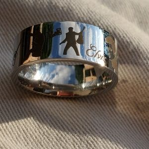 Beautiful Silver tone Elvis ring